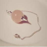 Rosenquarz Pendel -  mit Kette rosaroter Mineral Quarzpendel